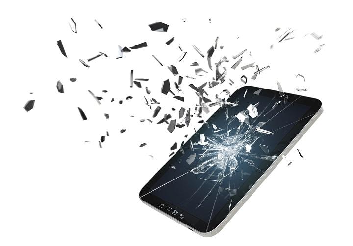 Замена разбитого экрана телефона